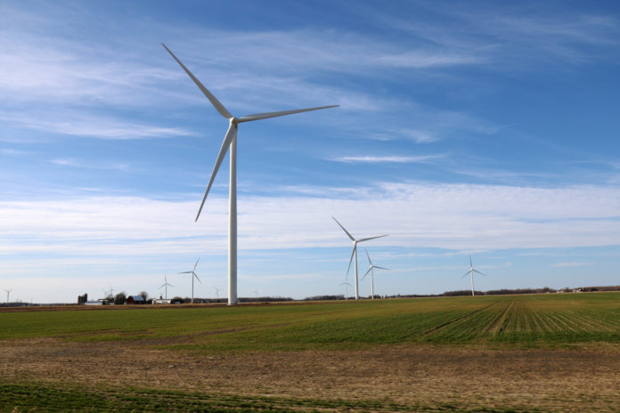 Big Turtle wind farm in Michigan (USA). 14 x G114-2.1 MW. It can be used to illustrate a SG 2.1-114 wind turbine or any other Siemens Gamesa 2.X model.