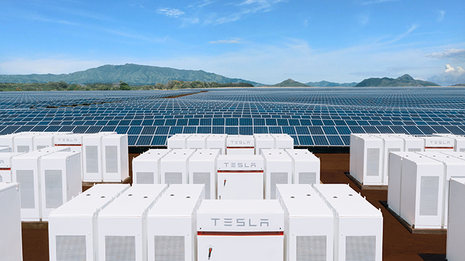 A Tesla energy storage system at a solar farm on the Hawaiian island of Kauai. Source: Tesla Inc.